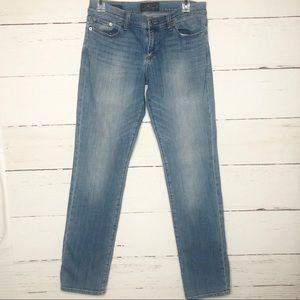 Lucky Brand Sweet Straight Light Wash Jeans 4 27